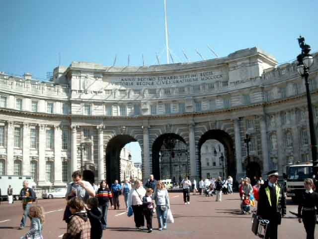 8 - Admiralty Arch